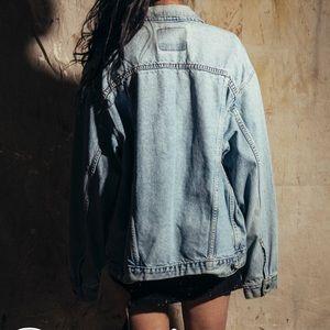 Levi's Jackets & Coats - Levis lightwash denim jacket